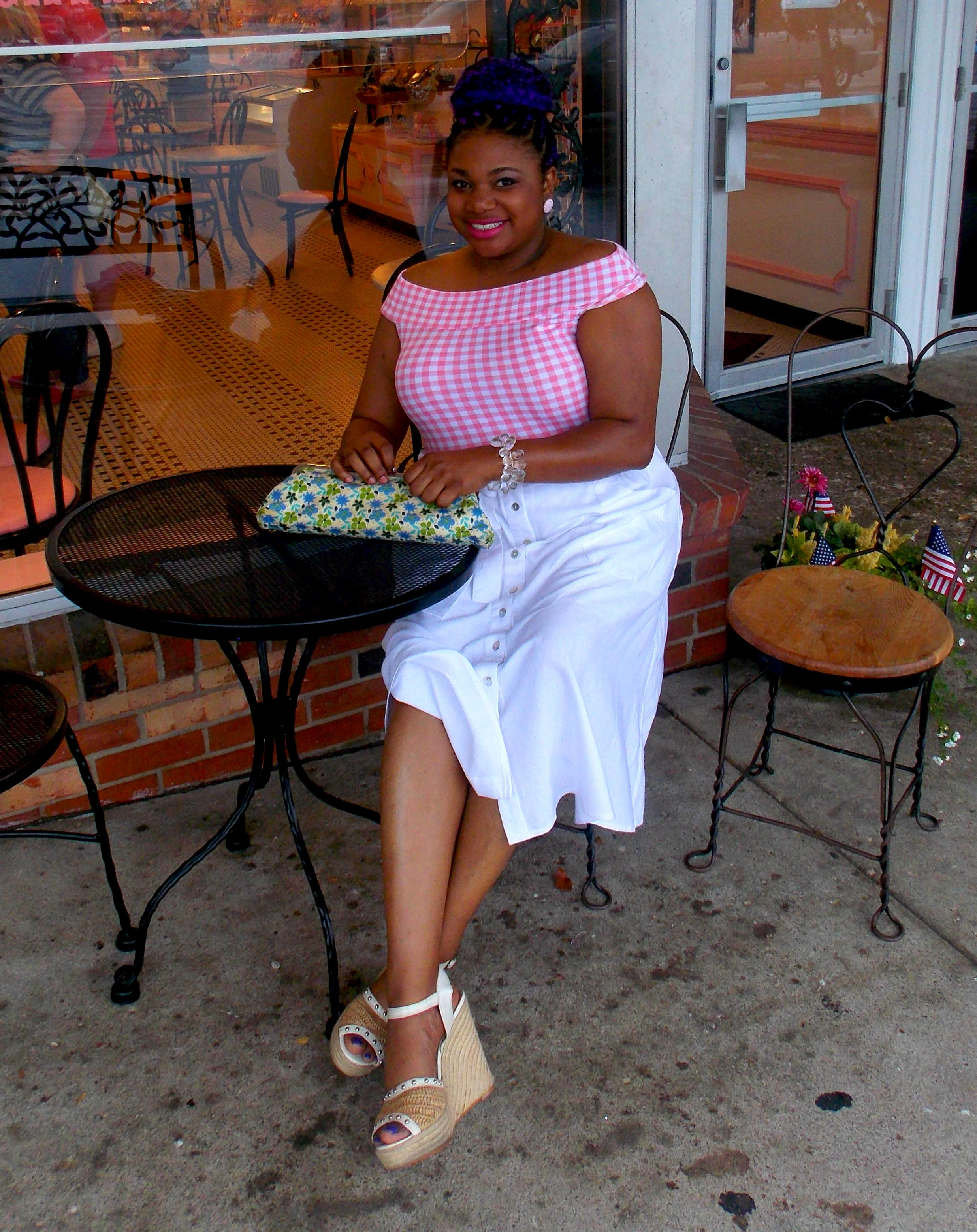 Plus Size Fashion Blogger: Laura of Oh Wize One